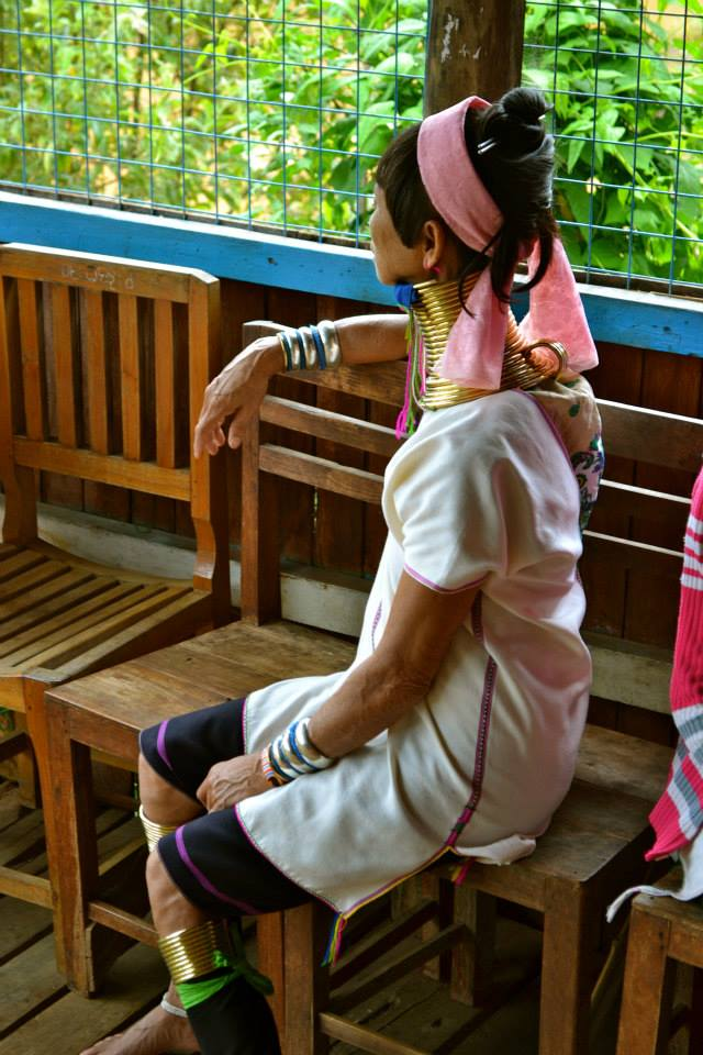 birmanie_lac_inle_femme_girafe