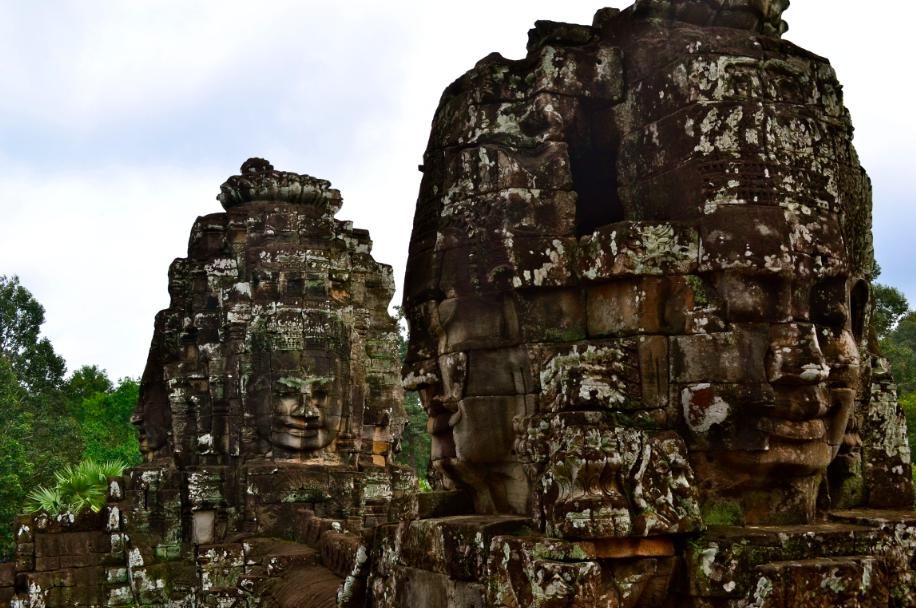 angkor_bayon_temple_visages