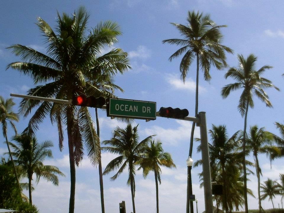 miami_beach_ocean_drive